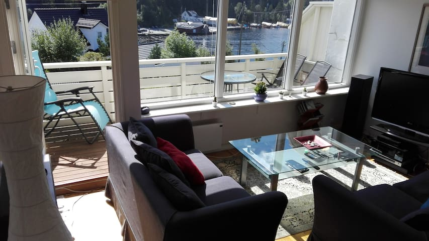 Beautiful sea view Straume Bridge - room B - Bergen - Townhouse