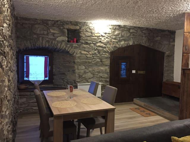 La Taverna di Dolonne - Courmayeur
