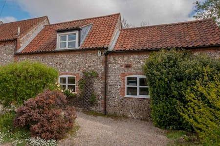 Luxury Holiday Cottage, Docking, North Norfolk