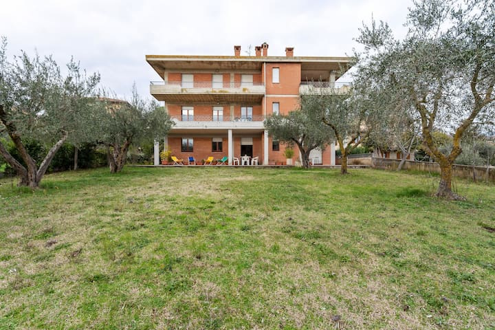 Homely Apartment in Tuoro sul Trasimeno with Swimming Pool