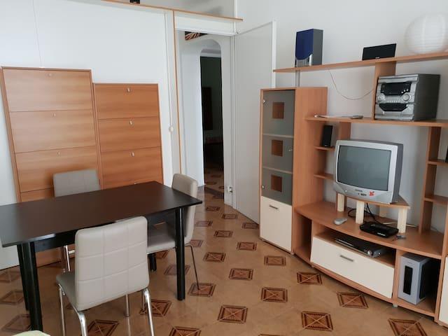 Apartment Bronzeado