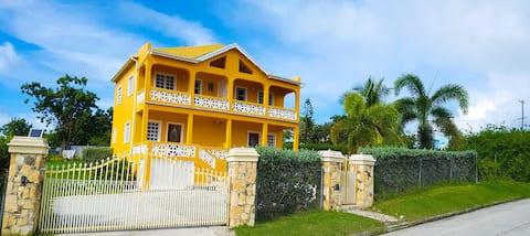 Four Pillars Villas - West Villa