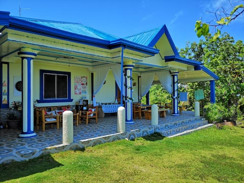 Anne's homestay room blue