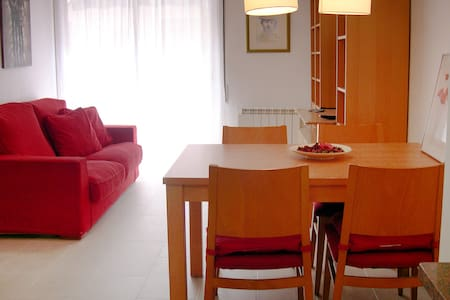 Cozy and bright flat, 5 min away from the beach - Maison