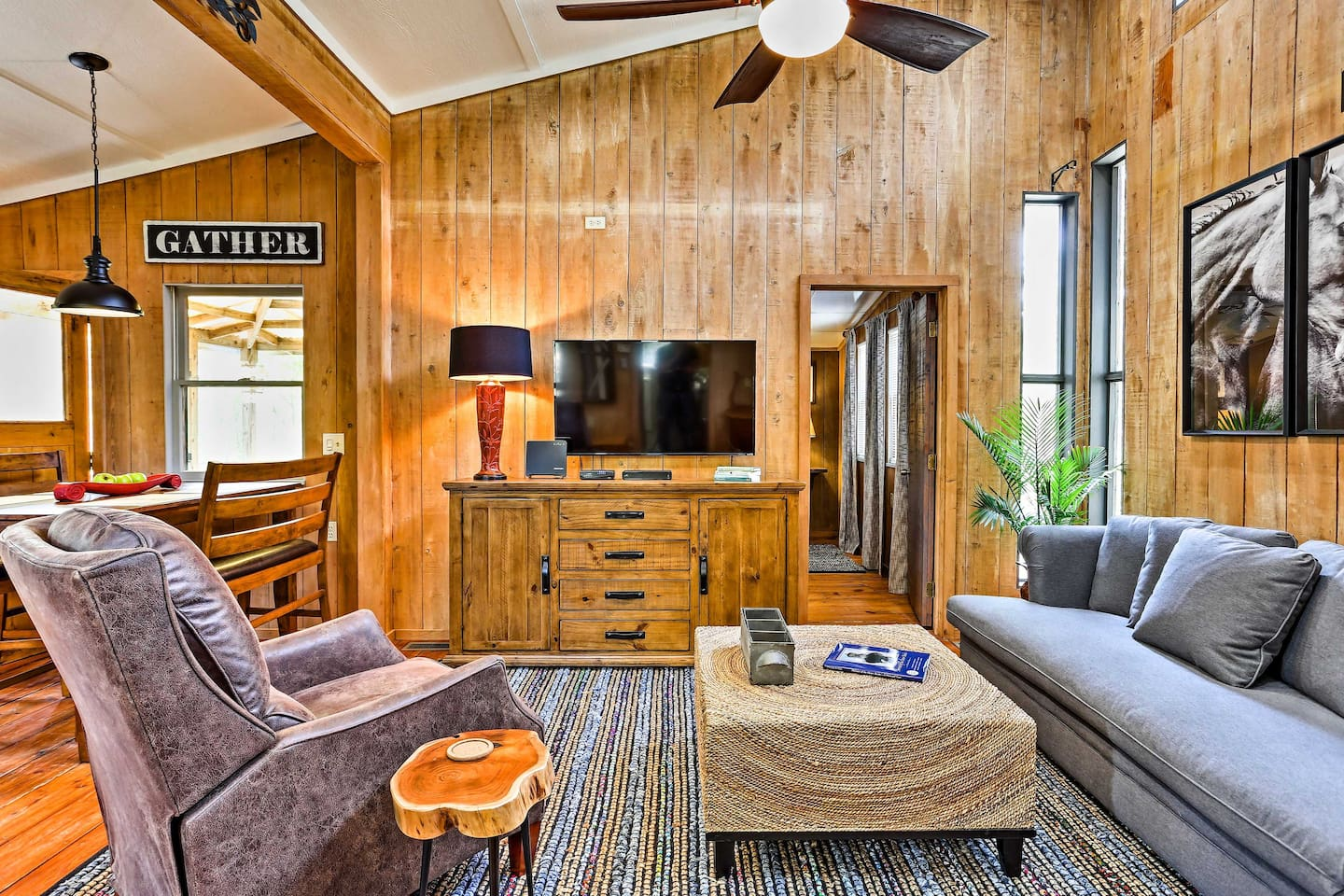 Unwind at this 2-bedroom, 1.5-bath vacation rental cottage in Frisco!