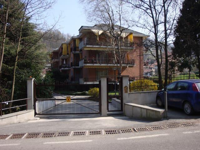 mansardina in zona collinare - Torino