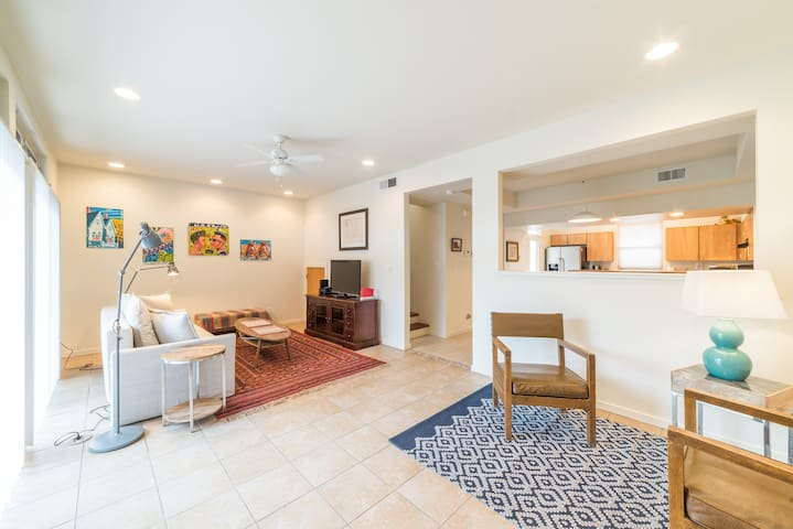 spacious townhouse by the Railyard in downtown ABQ