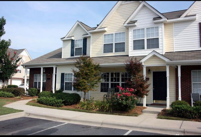 Comfy Home in Fort Mill,minutes to Charlotte