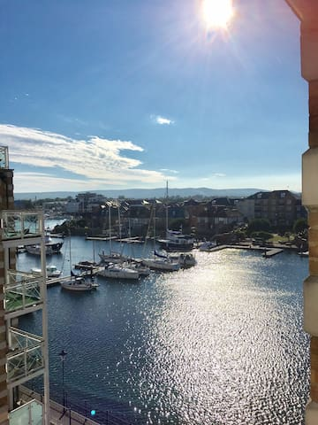 Oozing Harbour Views, Double Room, Own Bathroom