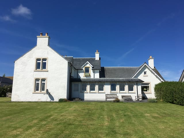 Caberfeidh Cottage, Bruichladdich, Isle of Islay