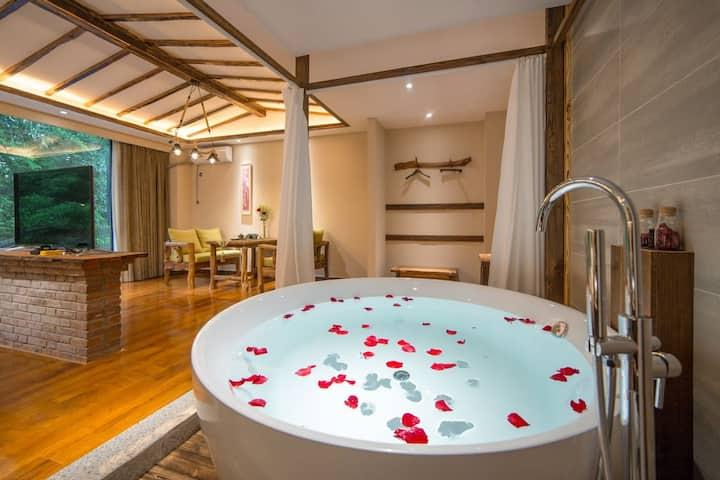 ·普洱香土故事庄园森林浴缸房
