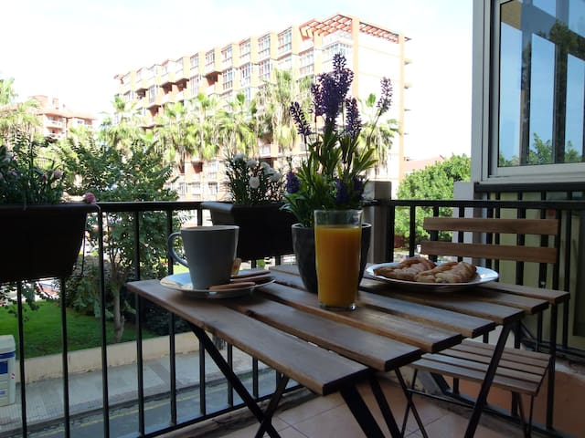 Centric studio with cute terrace and pool (wifi) - Puerto de la Cruz - Apartemen