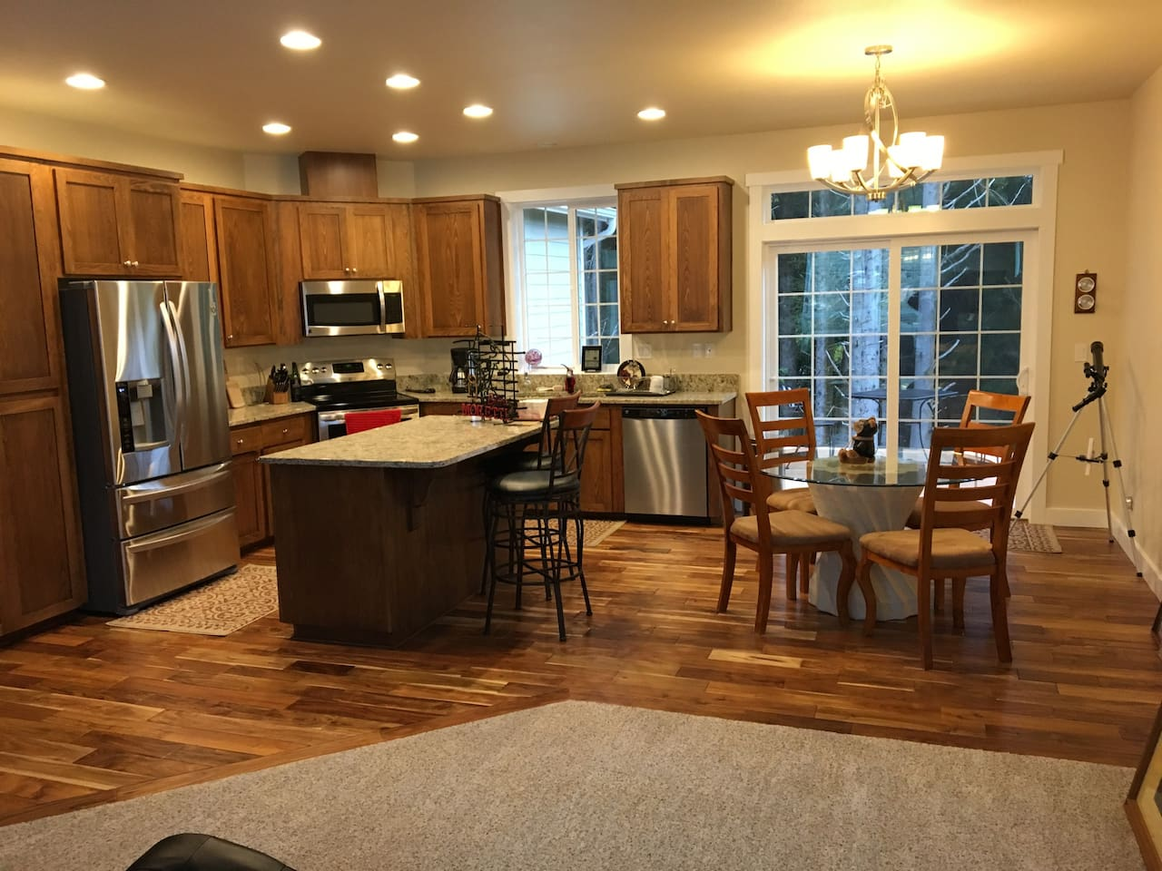 Kitchen, Dining, deck access