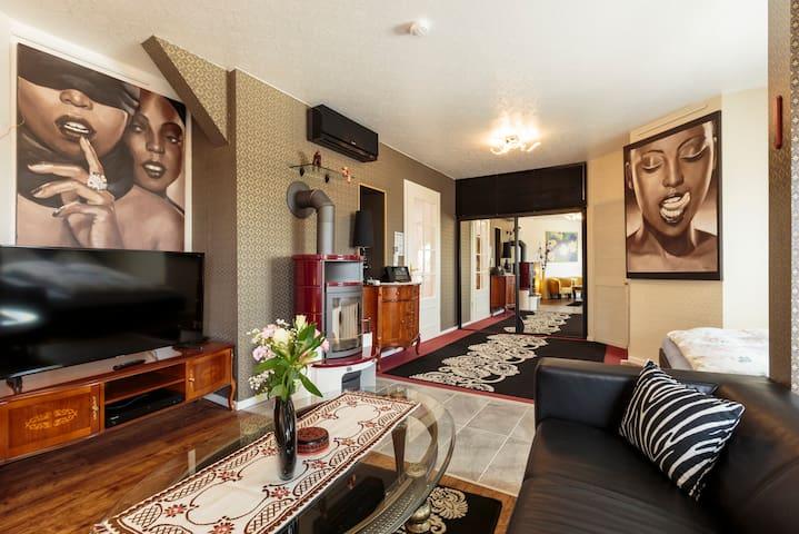 Air-conditioned loft apartment  9m² leafy Terrace