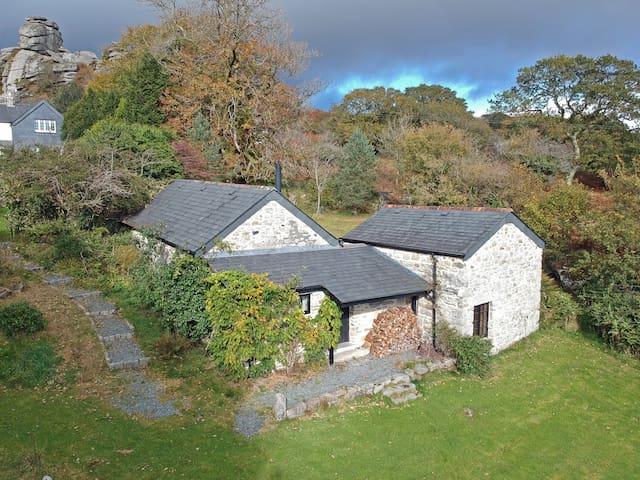 Beautiful Barn with Stunning Views across Dartmoor