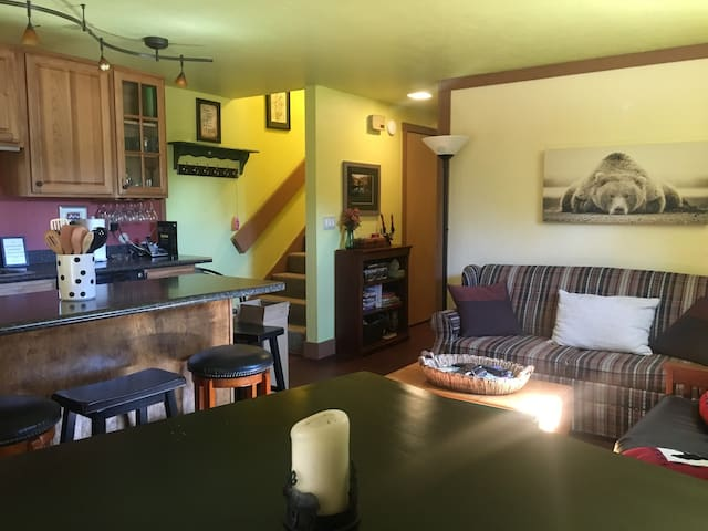 Gorgeous Bear Valley Getaway!  Close to ski resort - Bear Valley - Kondominium