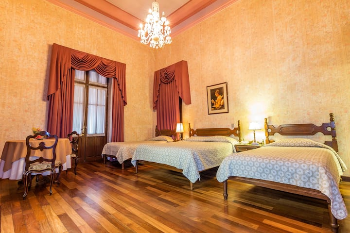 Plaza 25 Mayo Boutique Hotel  Rooms