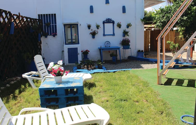 Holiday cottage with 3 bedrooms on 80 m² in Peñaflor