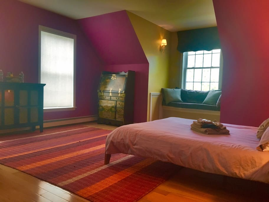 oak bluffs chat rooms Martha's vineyard vacation rentals  north of edgartown are the two main ferry ports of martha's vineyard, oak bluffs  an open kitchen makes it easy to chat.