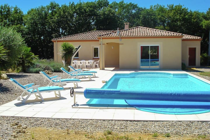 Detached villa in a beautiful area