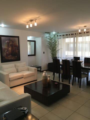 Gorgeous 3/3 Apartment - Santa Cruz de la Sierra - Apartment