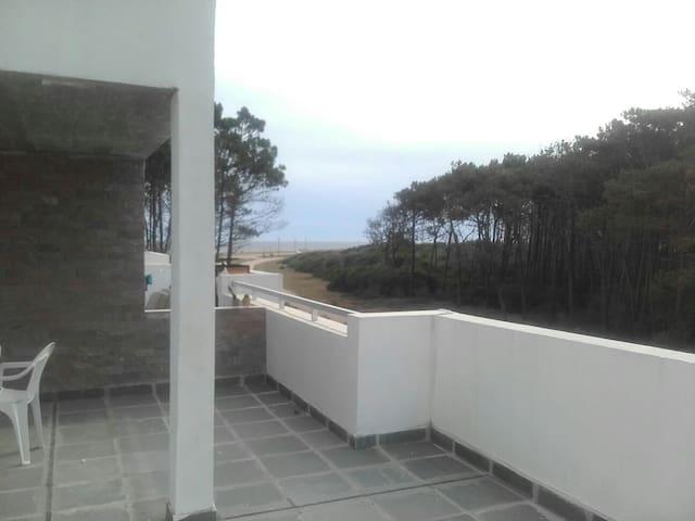 Laguna Garzón a100m de la playa/mar