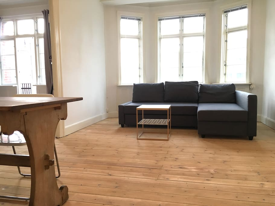 big double room with livingroom and bedroom wohnungen zur miete in kopenhagen d nemark. Black Bedroom Furniture Sets. Home Design Ideas