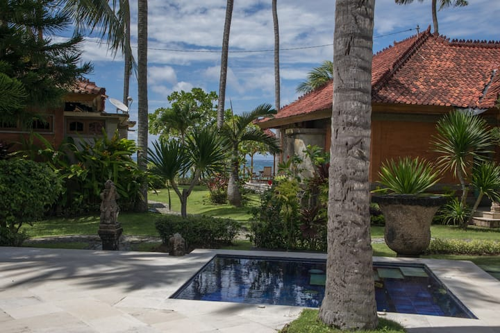Relax on Waterfront property in Villa Laksmana