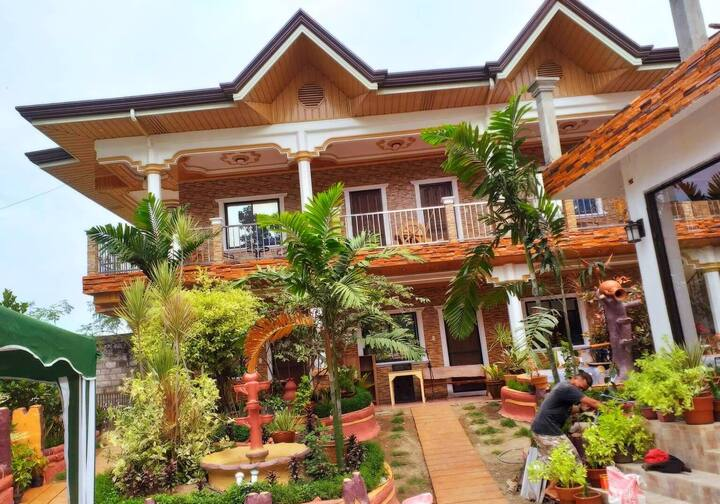 Dipolog Guesthouse w/Free Breakfast for 20 guests