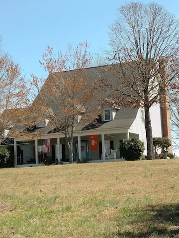 Country home near Clemson, Anderson & Greenville - Williamston