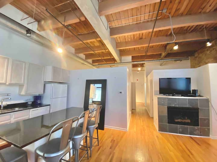 Extended work stay loft in the West Loop