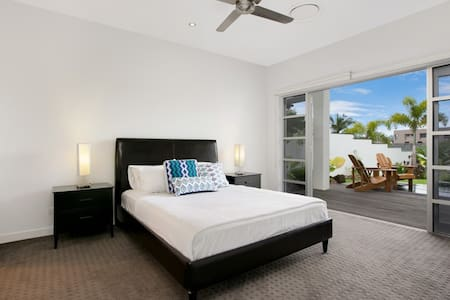 1 Bedroom House - The Luxury Private House - Trinity Park