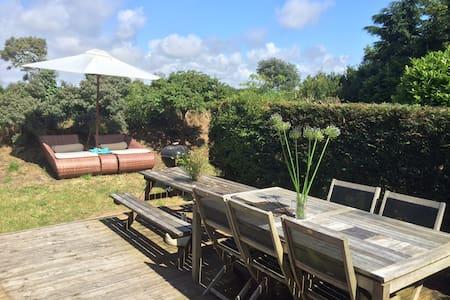 Petite maison de vacances à 800 m de la mer - Denneville