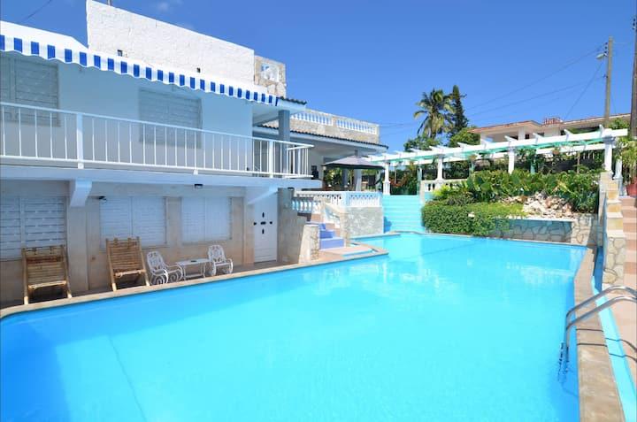 Hostal Pimienta -10 rooms-Habana- MiAlquilerEnCuba