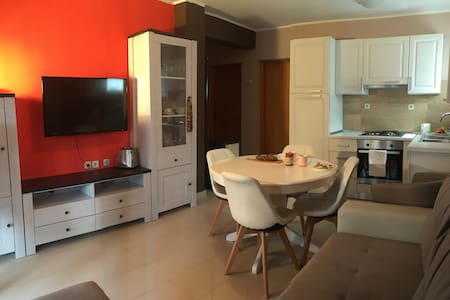Holiday Apartment w. Terrace and BBQ - Kruševo - 公寓