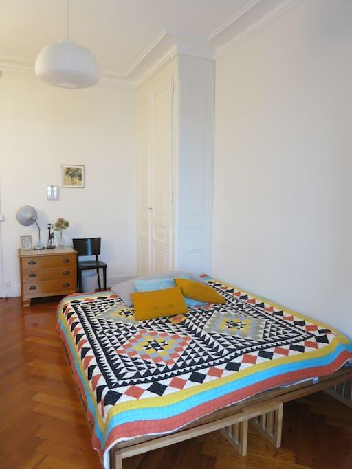 Chambre cosy au centre de gen ve appartements louer for Chambre geneve
