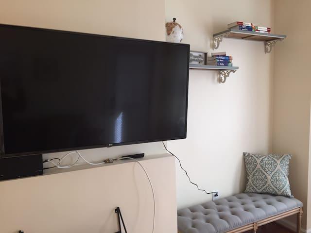 Beautiful one-bedroom, first floor apartment