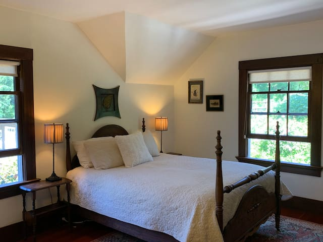 The Eva's Garden Suite at Sand Rock Farm