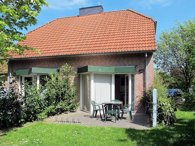 65 m² holiday home in Tossens for 4 persons