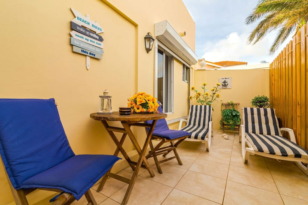 Patio, sunbathing and relaxing area
