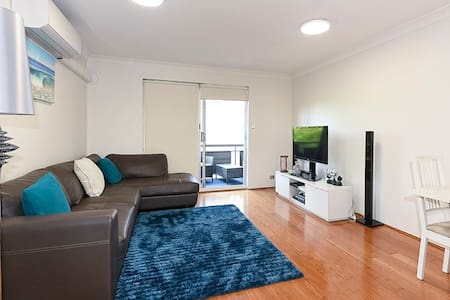 Beautiful 2 Bedroom -3.5km from CBD - Greenslopes - Wohnung