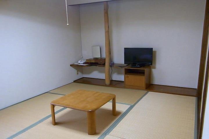 Asahi-machi/ Japanese-style room (6 tatami mats)