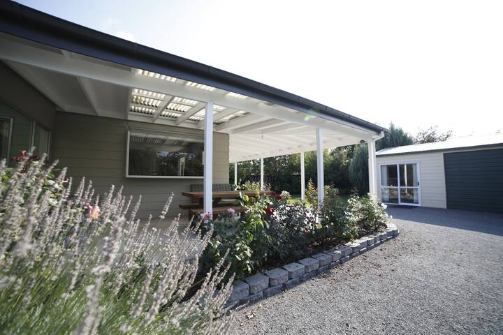 Spacious on Simons Street, Twizel - FREE WIFI