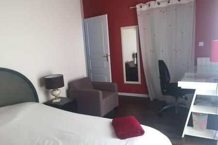 Chambre 2/3 dans villa lumineuse - Saint-André-de-Cubzac
