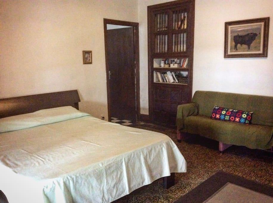 Amplio y confortable Dormitorio con posibilidad de supletoria