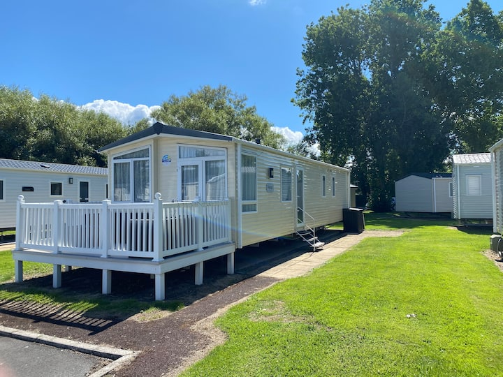 3 Bed Caravan In Burnham on sea Haven Site
