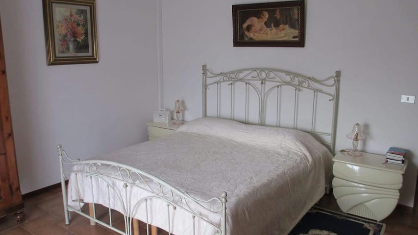 Gold B&B - Ravarino - Bed & Breakfast
