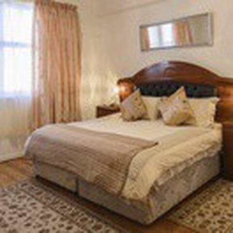 Durban Beach Hotel: Safari Lodge Adventure & Tours