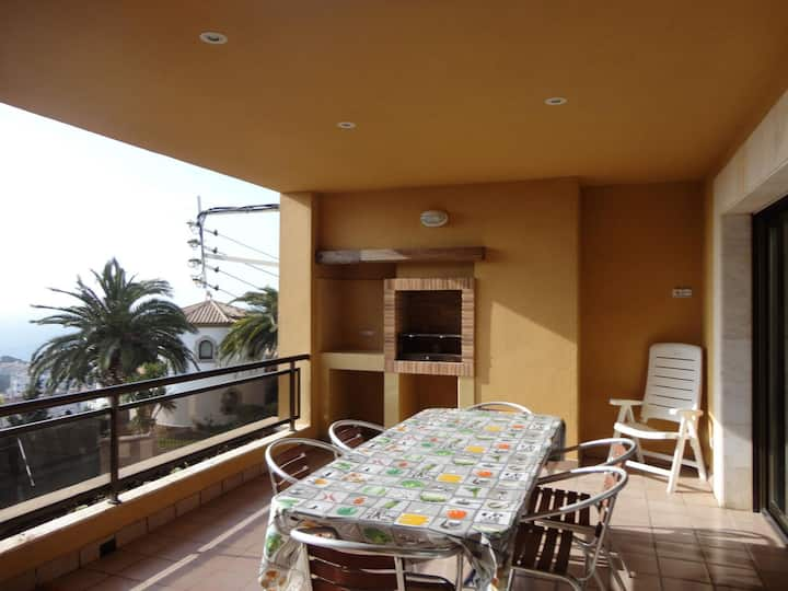 APARTMENT HAIA, WITH TERRACE AND BARBECUE, WIFI