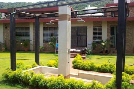 House 51 - Mahabaleshwar - Villa